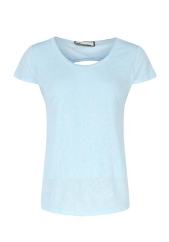 חולצת בייסיק- גב חשוף- תכלת