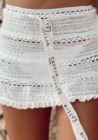 חצאית חוף קרושה- לבנה